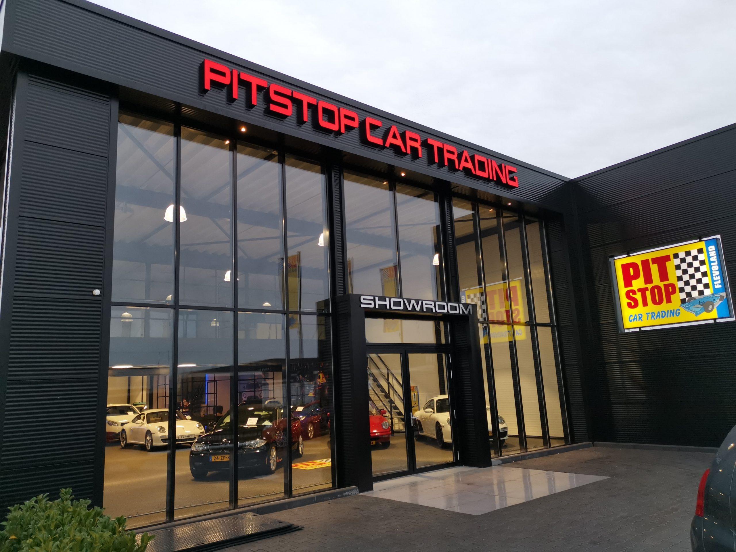 Verlichte gevelreclame | Pitstop Car Trading